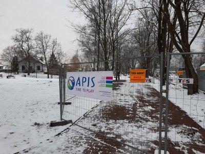 Plac budowy w Parku Czartoryskiej